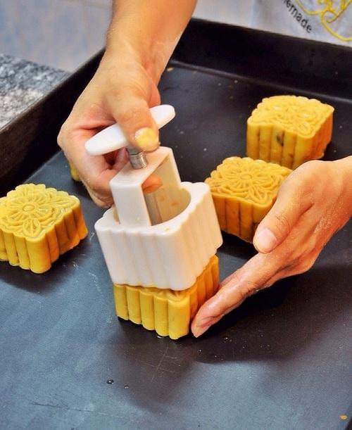 Cách làm bánh trung thu nhân trà xanh